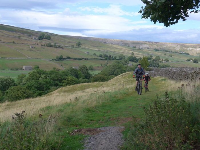 Swale trail with kids - the Reeth to Gunnerside section