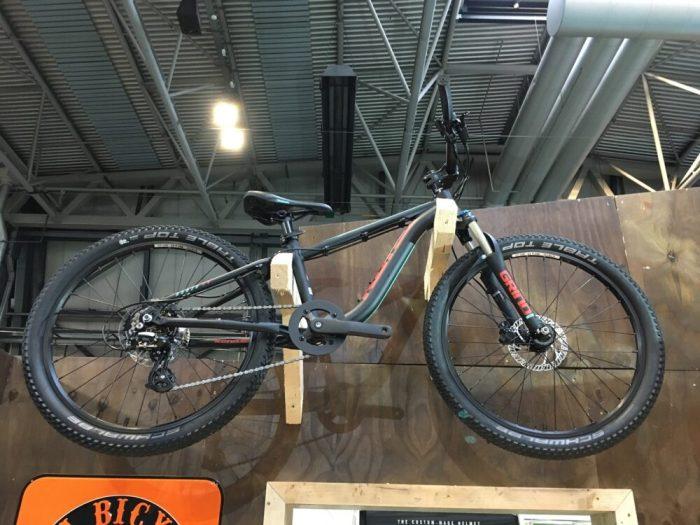 Kona Honzo 24 wheel kids mountain bike