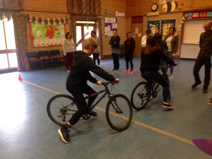 Learning how to teach balance bike lessons in schools