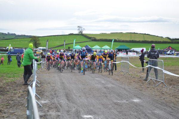 Start of the U14's and U16's Cyclocross race