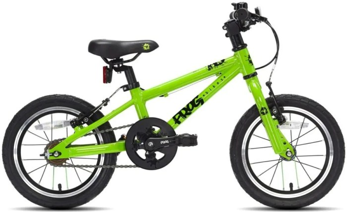 The Frog 43 kids first bike with 14 inch wheels is perfect for children aged 3 years old through to 5 years old who can ride a pedal bike.