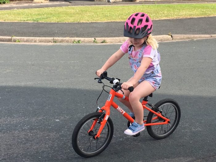 Review of the Hoy 16 kids bike for ages 4 to 6 years