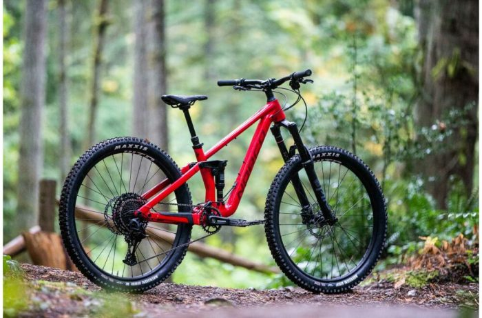 Norco Sight Youth 650b in red