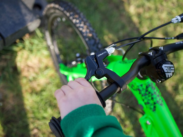 Black Mountain KAPĒL - closer look at the brakes in use