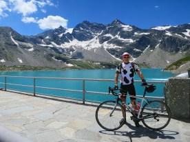 Lago di Serrù - standing on the dam
