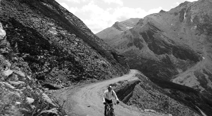 Nearing Col d'Arrondaz