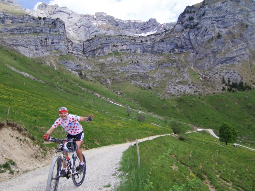 Road to Col de l'Aulp