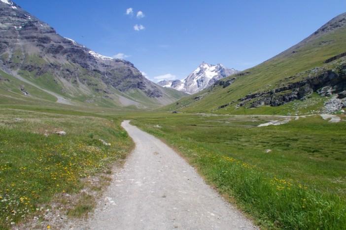 Road to Lac de la Sassière