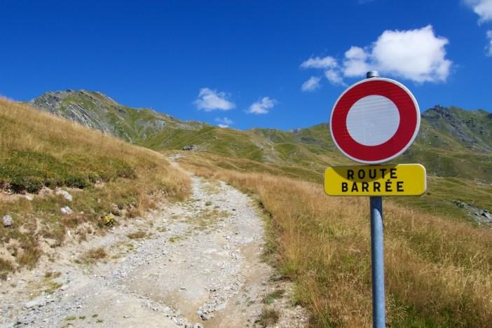 Start of unpaved road at 2090 metres