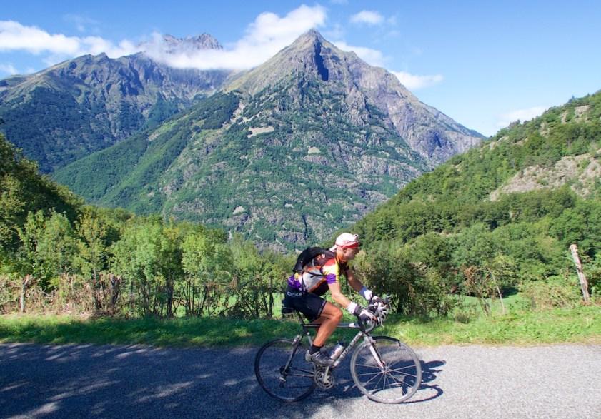 Road to Col de Parquetout