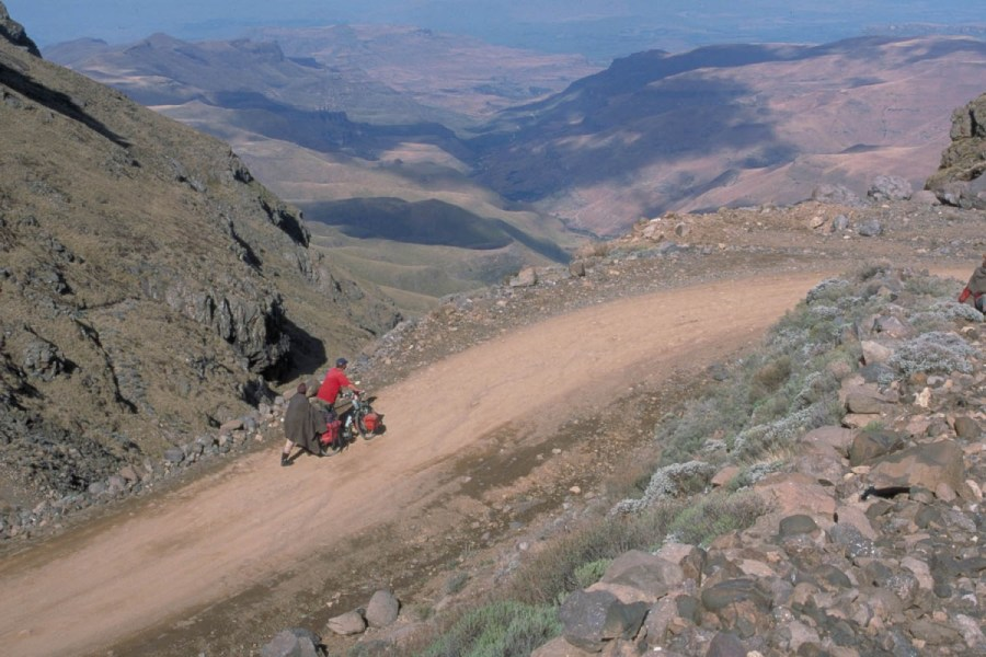 we were lucky to get some push-help from two Basotho men