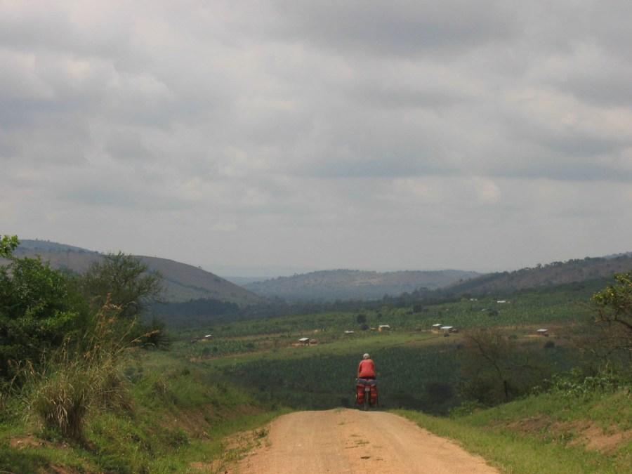 the road tot Lake Mburo NP