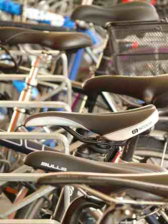 choosing a bike saddle