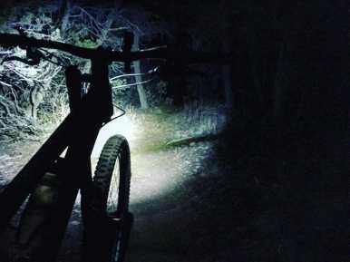 buyer's guide to mountain bike lights
