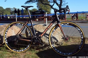 Helen Wyman's Kona Super Jake CX with disc brakes. © Cyclocross Magazine