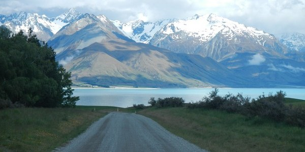 The road to Mount Cook (NZ)