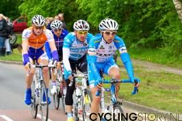 De kopgroep met Rick Flens op weg naar Amerongen. (foto: © 2010 Laurens Alblas)