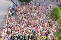 Het publiek juicht voor Rabobank (foto: © Laurens Alblas / Cyclingstory.nl)