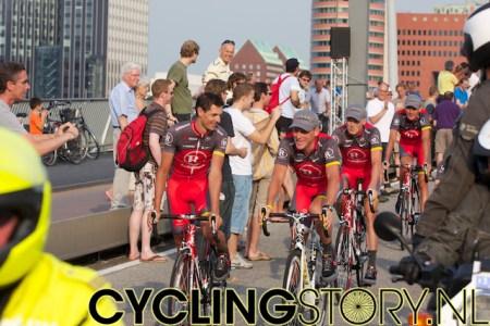 Team RadioShack met Lance Armstrong (foto: © Laurens Alblas / Cyclingstory.nl)