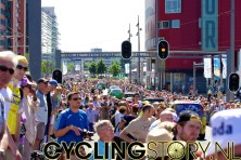Ondertussen is het aardig druk aan het worden (foto: © Laurens Alblas/Cyclingstory.nl)