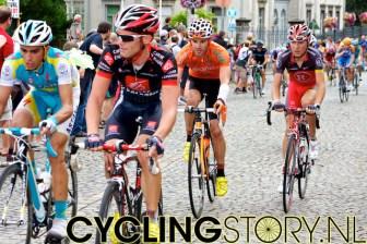 Alberto Contador (links) reed ook op grote achterstand Stavelot binnen (foto: © Laurens Alblas/Cyclingstory.nl)
