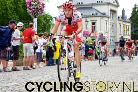 Later zouden de renners weer bij elkaar kunnen komen dankzij het neutraliseren van de koers door Cancellara (foto: © Laurens Alblas/Cyclingstory.nl)