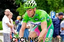 Groene truidrager Petacchi ging onderuit op de Stockeu (foto: © Laurens Alblas/Cyclingstory.nl)