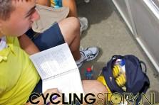 Tim was inmiddels alvast maar begonnen met het Live@TourdeFrance-verslag van vandaag (foto: © Laurens Alblas/Cyclingstory.nl)