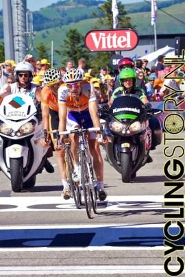 Denis Menchov kwam nog knap als tweede binnen, gevolgd door Samuel Sanchez (foto: © Laurens Alblas/Cyclingstory.nl)