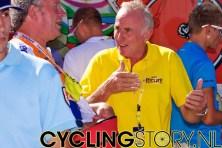 Ook Joop Zoetemelk was aanwezig bij de aankomst vandaag (foto: © Laurens Alblas/Cyclingstory.nl)