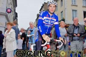 Wijnants en de andere renners waren zich klaar aan het maken voor een trainingsrondje (foto: © Laurens Alblas/Cyclingstory.nl)