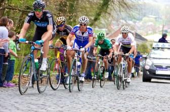 Wereldkampioen Thor Hushovd en Belgisch kampioen Stijn Devolder zitten op zo'n anderhalve minuut achter de koplopers. (foto: © Laurens Alblas / Cyclingstory.nl)