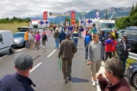 En met het mooie weer kwamen ook alle mensen weer tevoorschijn. (© 2011 Laurens Alblas / Cyclingstory.nl)
