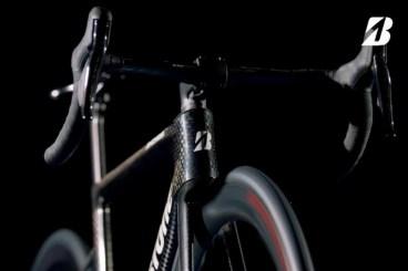 ブリヂストンが新型ロードバイク「ANCHOR RP9」のティザーサイトをオープン(画像クリックでサイトに飛びます)