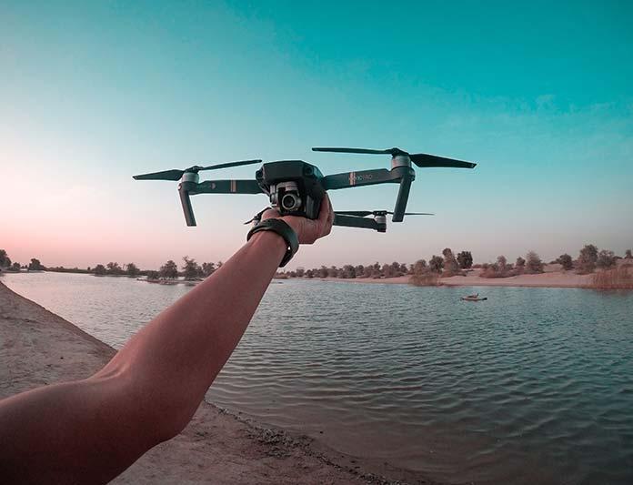 Jak zacząć przygodę z dronem?