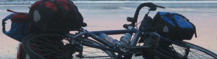 långfärdscykel på strand