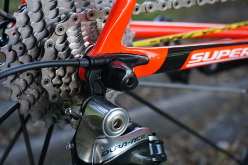 2016-Cannondale-SuperSix-Evo-carbon-road-bike-03