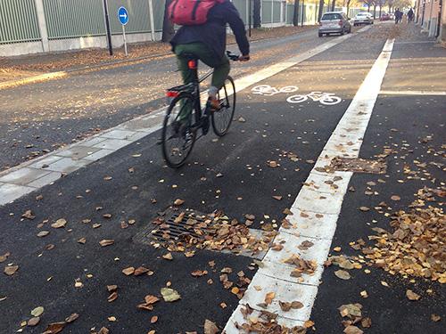 Exempel 2. Viktigt med avrinning mitt i cykelbanan.