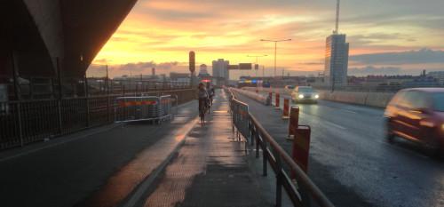 Framtiden, som en bred och solig cykelbana?