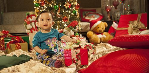 baby and gift Christmas