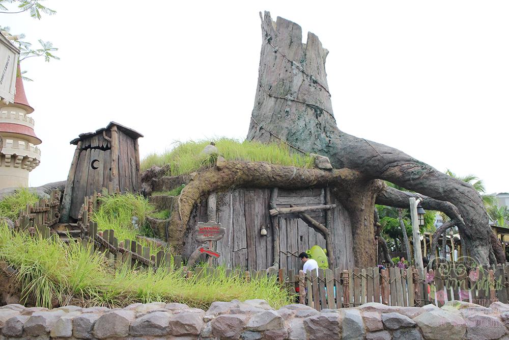 universal studios shrek's swamp