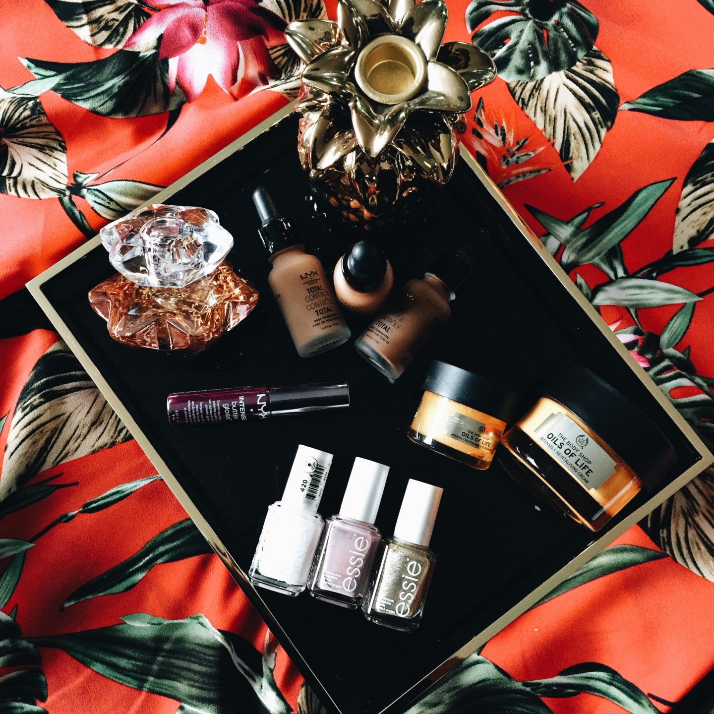 BEAUTY ON A BUDGET WITH CLICKS
