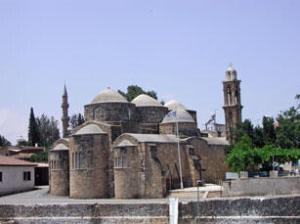 Εκκλησία Αγίου Βαρνάβα και Ιλαρίωνα Περιστερώνα