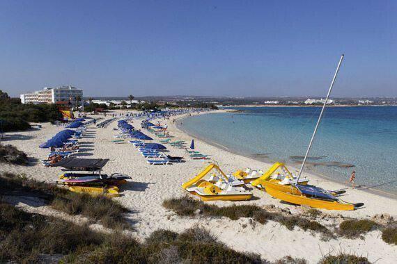 Ελεύθερη επαρχία Αμμοχώστου Παραλία Μακρόνησος – Μπλε Σημαία