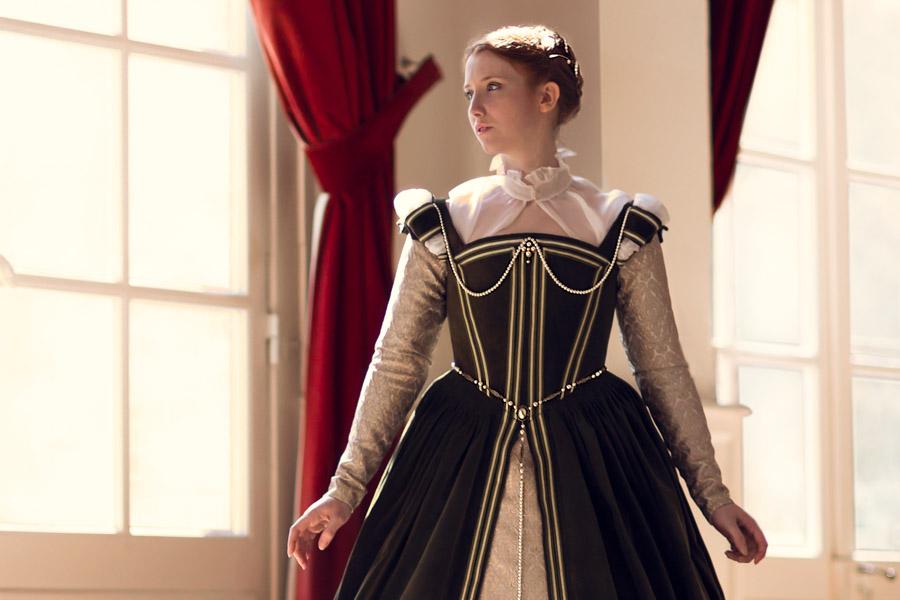 Robe De La Renaissance Francaise