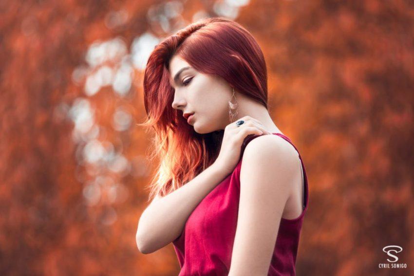 Séance portrait romantique en automne par le photographe de mariage et de portrait Cyril Sonigo