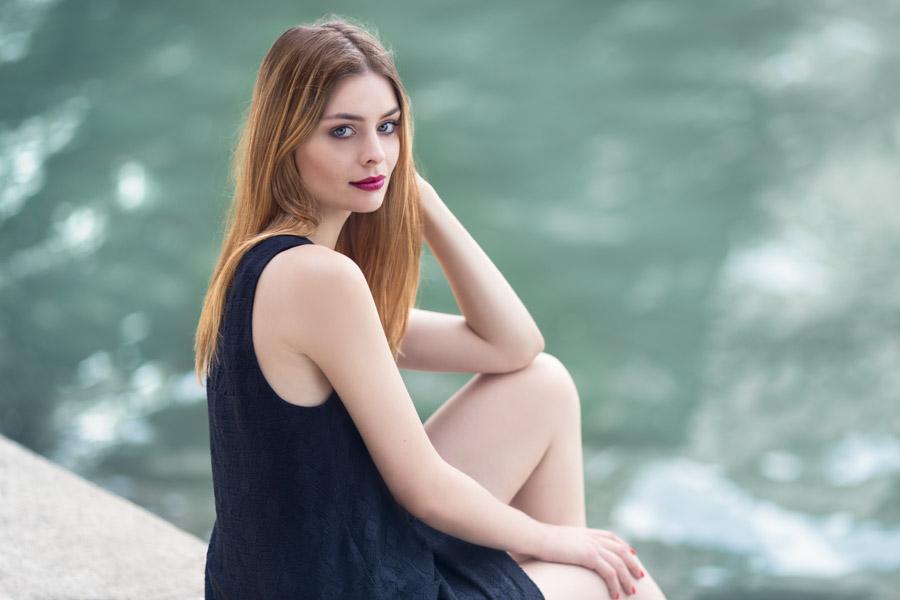 séance portrait à Paris avec Marie par le photographe Cyril Sonigo