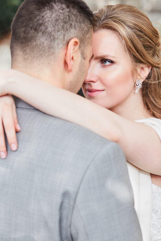 Mariage romantique au jardin du Luxembourg à Paris
