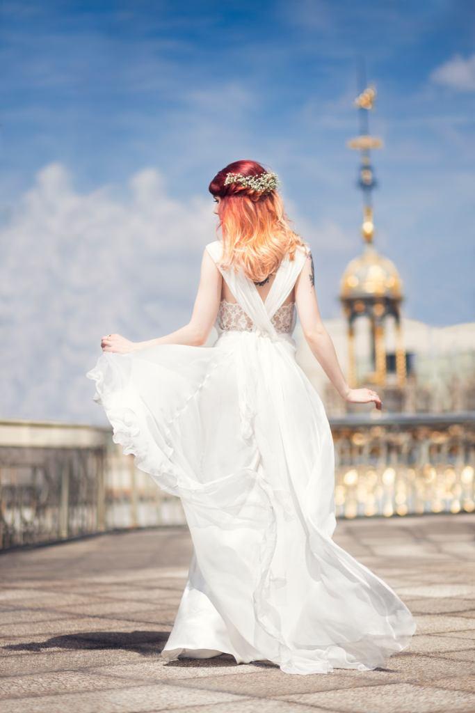 Robe de mariage Alberta Ferretti sur les toits du Printemps Haussmann