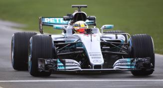 Mercedes W08 Hamilton przód prezentacja